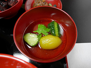 鎌倉きゅうりとトマトお出汁マリネ
